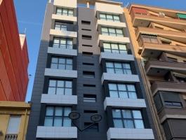 Venta de ático-duplex nuevo a estrenar de 116m2,1habitación, cocina americana, buhardilla de uns 40m2, terraza de unos 20m2, baño completo, plaza de garaje, suelo de marmol.