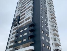 Venta de apartamento de 85m2, 2 habitaciones, reformado, todo exterior con estupendas vistas al mar, 2 terrazas (1 cubierta). REF. PLAY PUIG